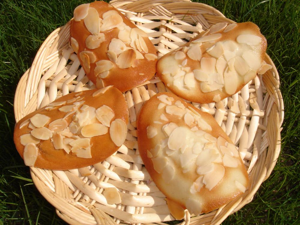 Tuiles aux amandes les recettes de pierrette for Tuile arrondie